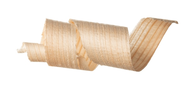 Спиральная деревянная бритья, изолированные на белом крупным планом