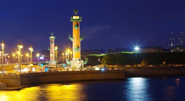 Spit of vasilyevsky island in night