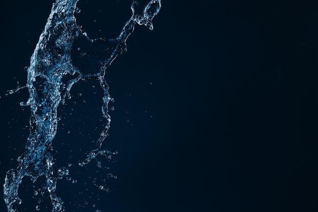 Всплеск чистой воды, изолированные на черном