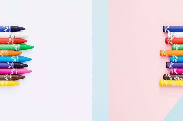 Set diviso di pastelli chiari