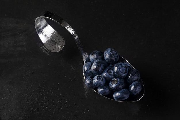 Blueberries.jpgとスプーン
