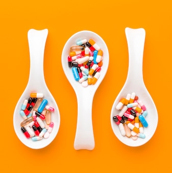 Spoons with pills