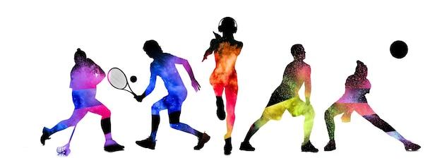 スポーツコラージュ。白いスタジオの背景に分離された動きのテニス、ホッケー、ランニング、バレーボールの選手。ゲーム中に白人の人々にフィットします。広告のチラシ。