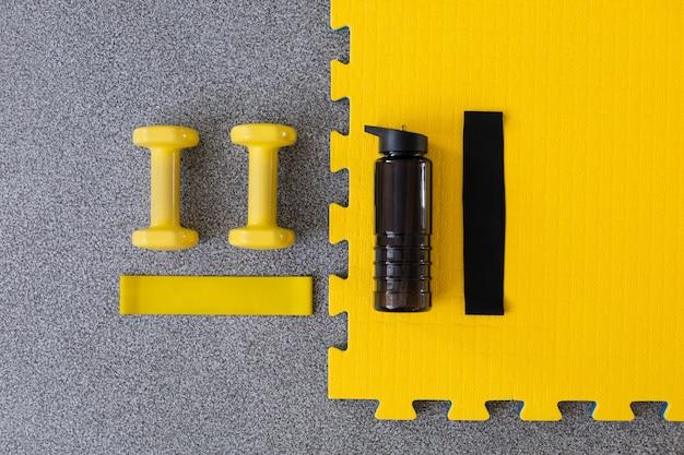 黒と黄色のスポーツ用品