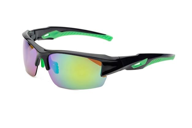 Спортивные очки, изолированные на белом фоне