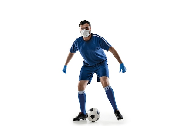 Спортсмен в защитной маске концепции лечения коронавируса