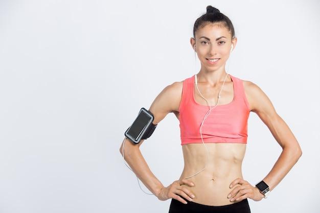 Спортивная девушка с отличным телом