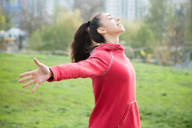Sporty женщина чувство живой