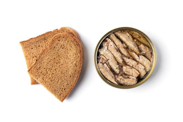 焼きたてのパンとブリキ缶のスプラット