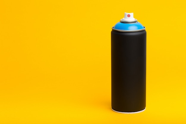 黄色のスプレーボトル