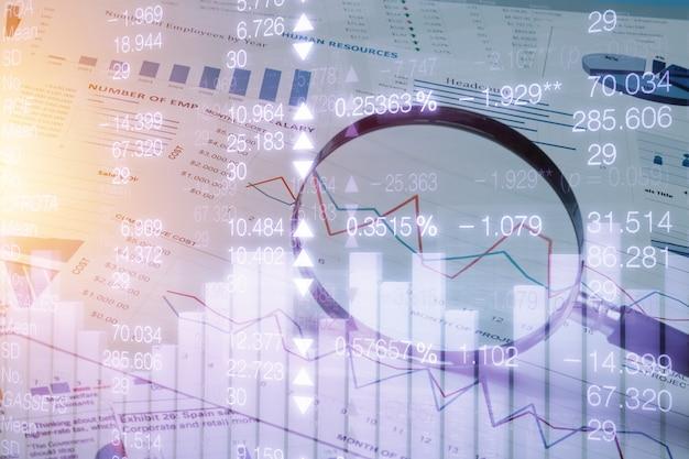 Табличный учет банковских счетов с помощью калькулятора и лупы.