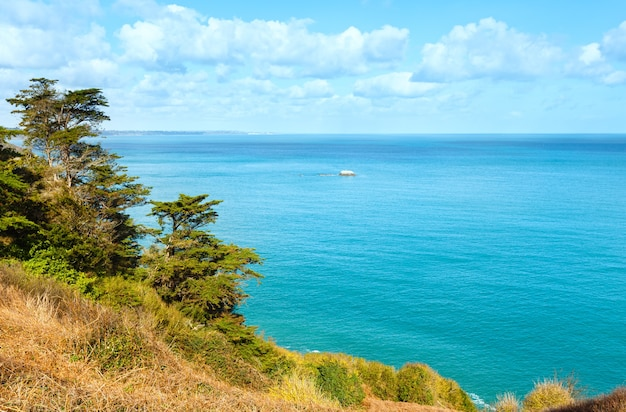 Весна пейзаж побережья атлантического океана