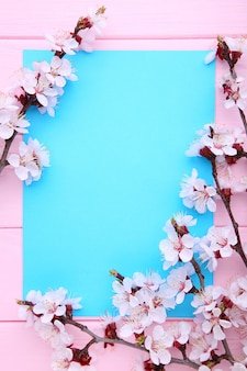ピンクの木copyspaceで春咲く枝。