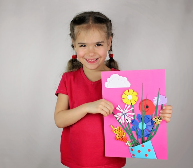 Spring diy flowers with colored paper for kid