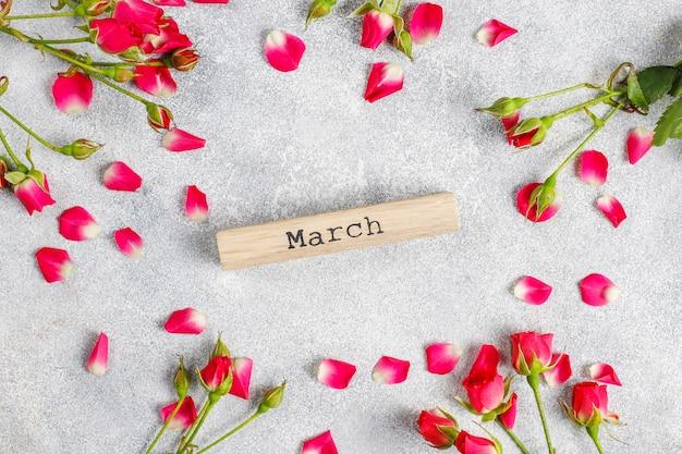 バラの花と春のグリーティングカード。
