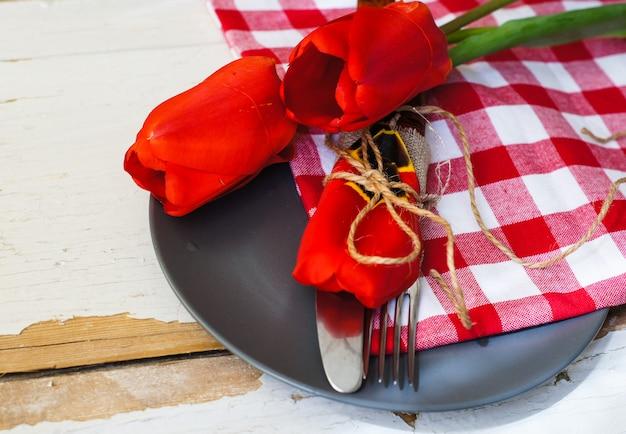 Spring time tableware