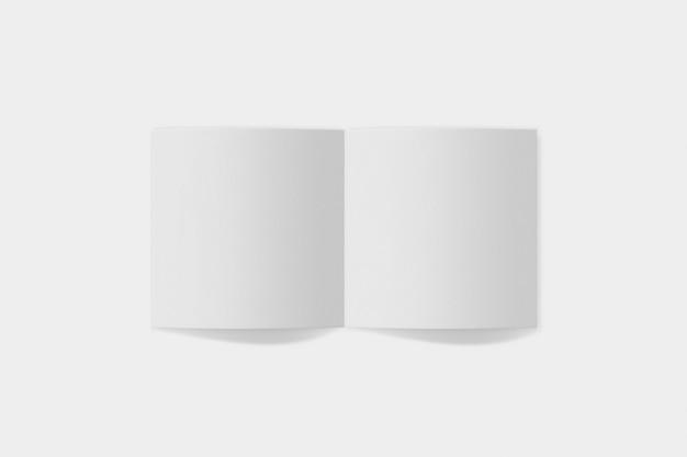 사각형 책자 또는 초대 흰색 절연