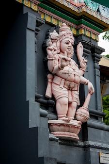 Храм шри мариамман, сингапур