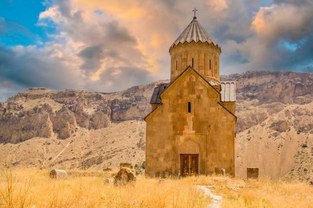 Церковь св. аствацацин церковь святой богородицы воскепара - армянская церковь 7 века.