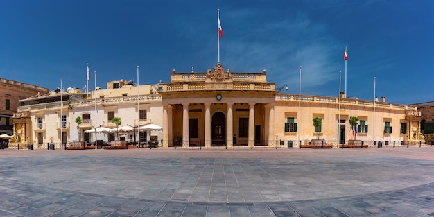 St george square and palace armoury in old town of valletta in the morning, capital city of malta