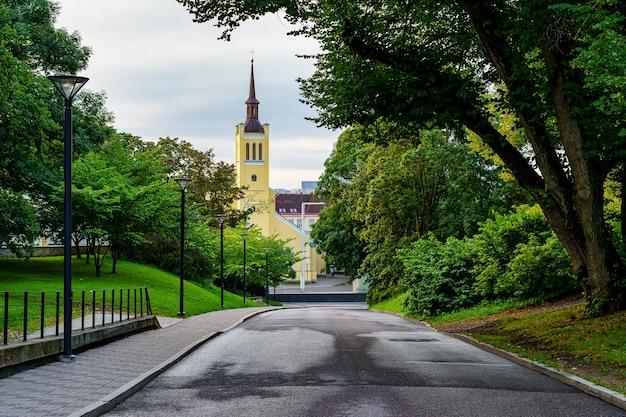 탈린 에스토니아의 자유 광장에 있는 성 요한 교회.