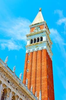 イタリア、ベニスの聖マルコ鐘楼