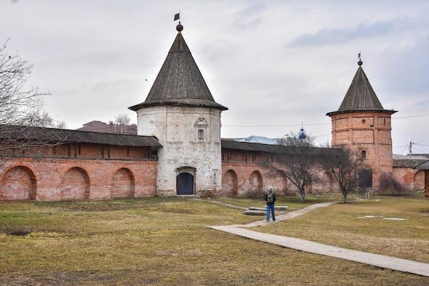 Михайло-архангельский мужской монастырь, двор монастыря