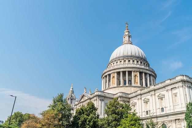 ロンドンのセントポール大聖堂教会。