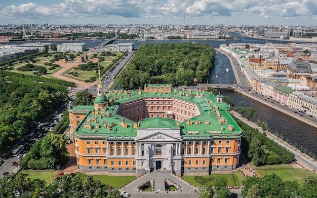 サンクトペテルブルク、ロシア、2019年6月-セントマイケルズ城の航空写真
