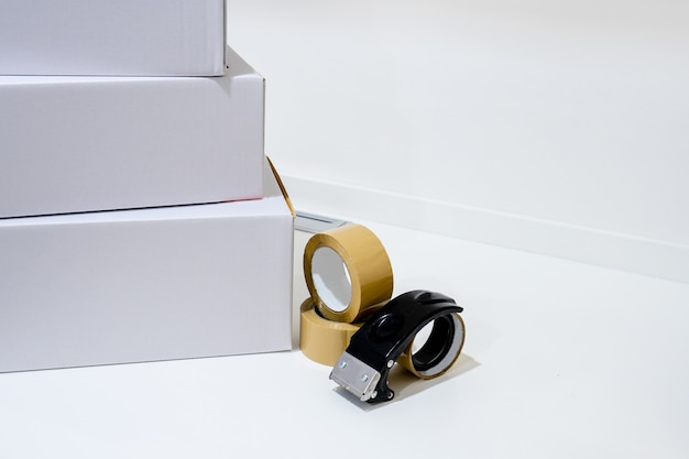 Стек картонные коробки