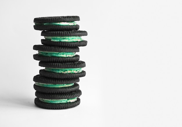 A stack of cookie and cream