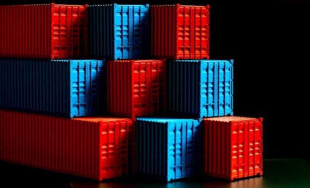青と赤のコンテナボックスのスタック、輸出入ロジスティクス用の貨物貨物船、出荷貨物コンテナセット、会社の出荷配送とロジスティクスグローバルビジネスコンテナ貨物船。