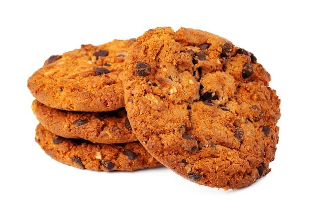 白で隔離のチョコレートチップクッキーのスタック