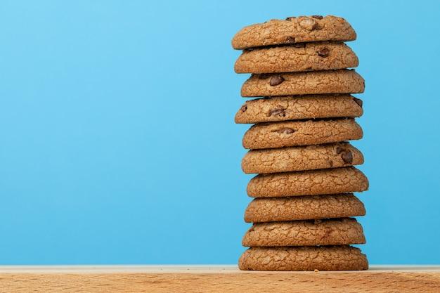 チョコレートチップクッキーのスタック