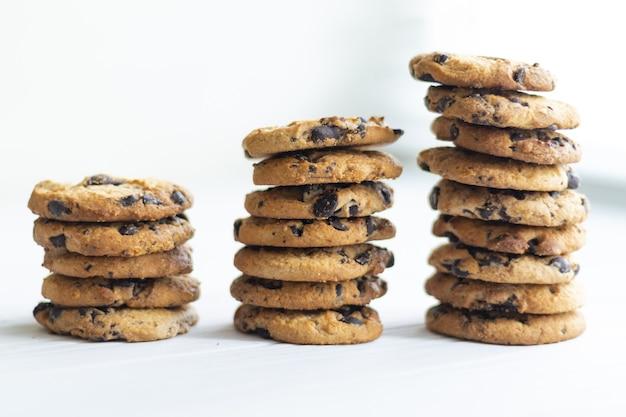 チョコレートクッキーのスタック