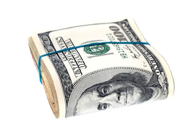 お金のスタック-白い背景で隔離の米ドルの現金