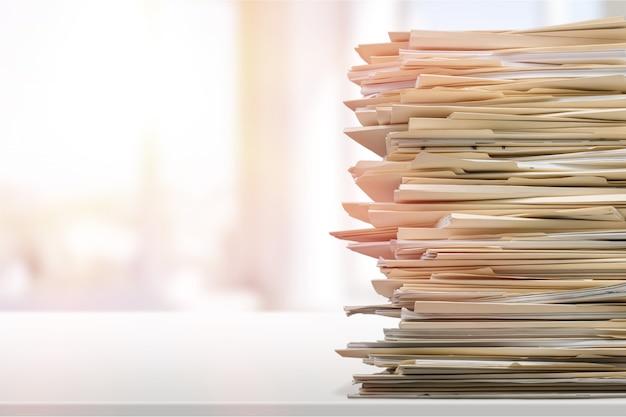 Стек отчетных бумажных документов в офисе