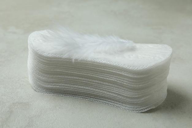 흰색 질감에 위생 패드의 스택