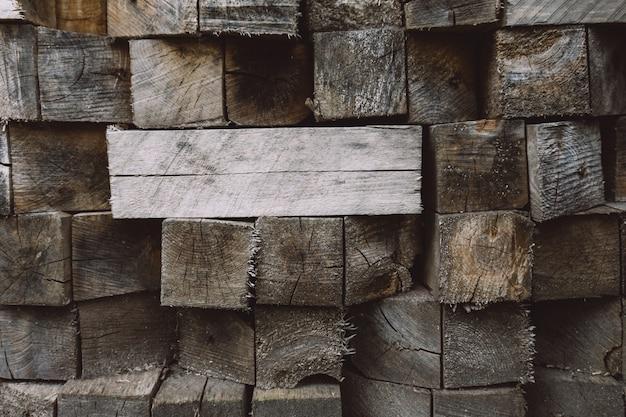 Стек из деревянных блоков