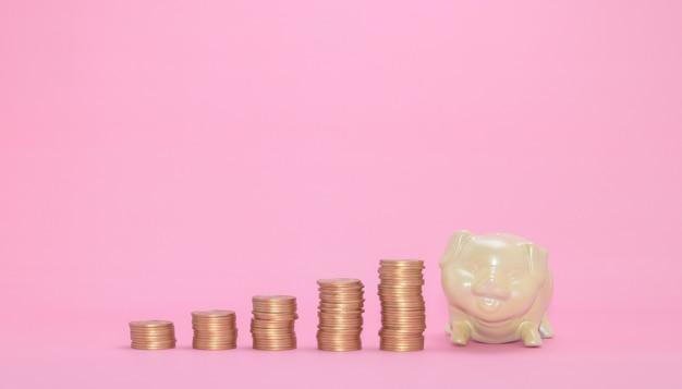 積み重ねられたコインの概念の金融成長株は税金収入を投資します