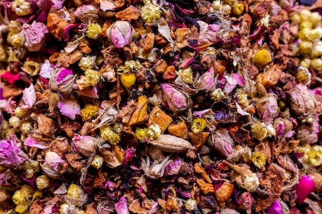 Сложенный цветочный чай