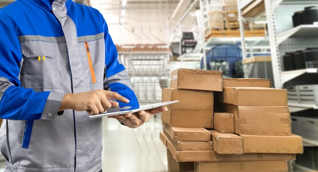 Staff to check stock items in warehouse