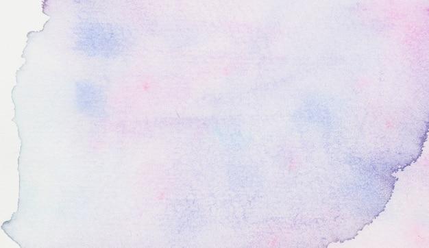 Пятно от фиолетовой акварели