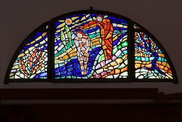 Витраж церкви святого иоанна крестителя в канниджионе