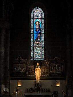 Витраж в церкви святого марсьяна в бордо