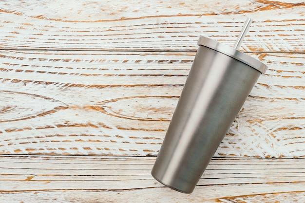 Нержавеющая и тумблерная чашка