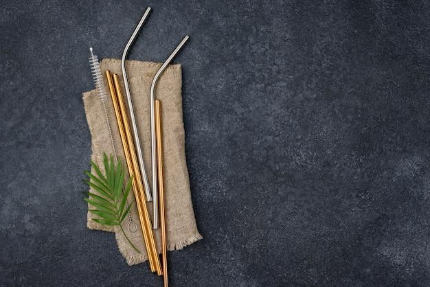 Металлические соломинки из нержавеющей стали на ткани