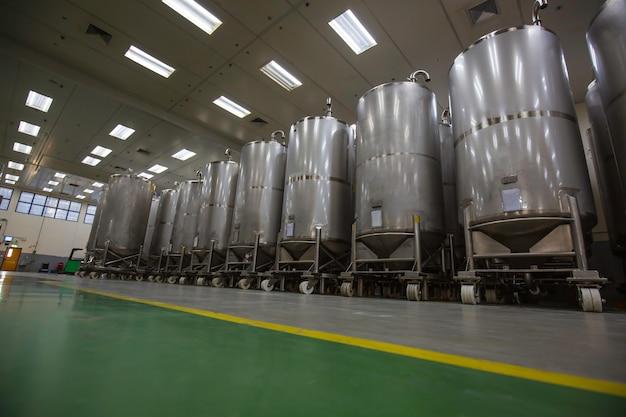 スクロールホイール付きの機器タンク化学セラーの圧力計付きステンレス鋼タンクステンレス鋼タンク