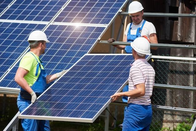 Установка автономных солнечных панелей, возобновляемая зеленая энергия