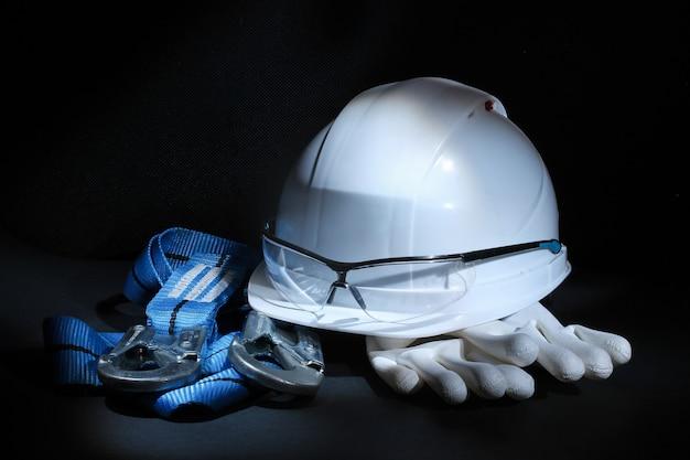 Standard builder safety equipment man kit